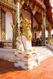 Gesangstatue bei Wat Phra That Choom Chum, Sakon Nakhon Stockfotos