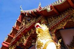 Gesangstatue bei Wat Phra That Choom Chum, Sakon Nakhon Lizenzfreies Stockfoto