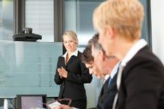 Geschäft - Darstellung innerhalb eines Teams Lizenzfreie Stockfotografie