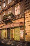 Geschäft in den Straßen von Budapest stockfotos