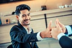 Geschäft erfolgreich und Teamwork lizenzfreies stockbild