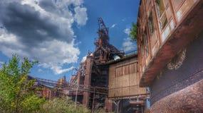 Geschäft - Heftklammer-Stadt-Skyline Stockfoto
