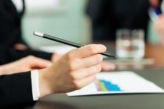 Geschäft - Sitzung in einem Büro Stockfoto