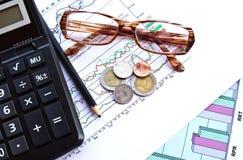 Geschäft und die Aktienaktienberichte Lizenzfreie Stockbilder