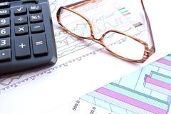 Geschäft und die Aktienaktienberichte Stockbilder