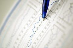Geschäft und Finanzreport Stockbild