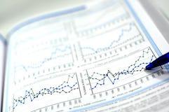 Geschäft und Finanzreport Stockbilder