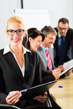 Geschäft - Wirtschaftler haben Teambesprechung Lizenzfreies Stockfoto