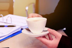 Geschäft zum Arbeiten im Büro das Konzept für erfolgreiche Arbeit zum Ziel der Organisation Stockbilder