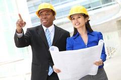 Geschäfts-Architekten-Team (Fokus auf Frau) Stockfotos