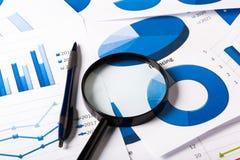 Geschäfts-Diagramme blau Lizenzfreies Stockfoto