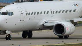 Geschäfts-Jet-mit einem Taxi fahren PrivatAirs Boeing stock video footage
