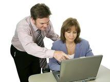 Geschäfts-Kollege bietet Vorschlag an lizenzfreies stockfoto
