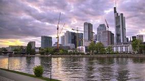 Geschäfts-Stadt-Sonnenuntergang stock video