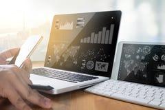 GESCHÄFTS-Teamarbeit des professionellen Anlegers Arbeits Finanzaufgabe Stockfoto