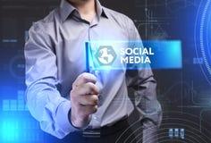 Geschäfts-, Technologie-, Internet- und Netzkonzept Junges busine Stockfotos