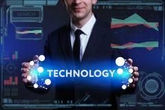 Geschäfts-, Technologie-, Internet- und Netzkonzept Junges busine Stockbild
