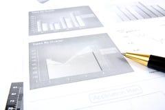 Geschäftsberichtüberwachung lizenzfreie stockfotos
