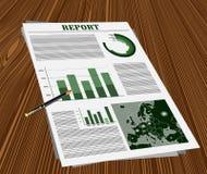 Geschäftsbericht über den Schreibtisch mit einem Stift Stockfotografie
