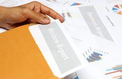 Geschäftsbericht, Diagramme und Diagramme gefärbt Lizenzfreies Stockbild