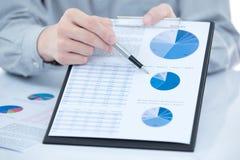 Geschäftsdiagrammdarstellen finanziell stockfotos