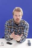 Geschäftsführer argumentiert seinen Gesichtspunkt Stockfoto