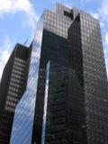 Geschäftsfassade mit Lots Glas Stockfoto