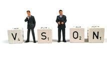 Geschäftsfigürchen, die den Wortanblick bilden Lizenzfreies Stockbild