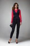 Geschäftsfrau-Abendmake-up kleidet für Sitzungen und Wege stockfotos