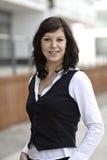 Geschäftsfrau aus Büro heraus Lizenzfreies Stockfoto