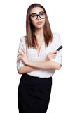 Geschäftsfrau in den Gläsern mit der schwarzen Markierung lokalisiert auf weißem Hintergrund Lizenzfreie Stockfotos