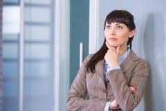 Geschäftsfrau-Denken Lizenzfreies Stockfoto