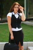 Geschäftsfrau in der Stadt Stockfoto