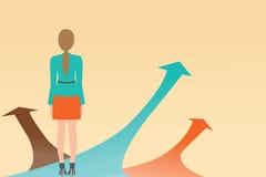 Geschäftsfrau, die auf dem Pfeil mit vielen Richtungsweisen, C steht Stockbilder