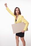 Geschäftsfrau, die Brett oder Fahne mit Kopie zeigt Stockfoto