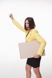 Geschäftsfrau, die Brett oder Fahne mit Kopie zeigt Lizenzfreies Stockbild