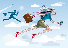Geschäftsfrau, die durch Wolken läuft Lizenzfreie Stockbilder