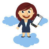 Geschäftsfrau, die einen Handy zeigt Stockfotos