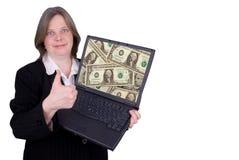 Geschäftsfrau, die einen Laptop anhält Stockfotografie