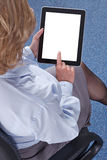 Geschäftsfrau, die einen Tablet-Computer verwendet Lizenzfreie Stockfotografie