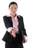 Geschäftsfrau, die Hand rüttelt Stockbilder