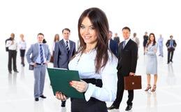 Geschäftsfrau, die ihr Team lokalisiert führt Lizenzfreie Stockfotografie