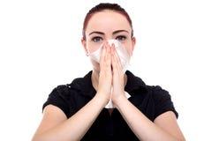 Geschäftsfrau, die ihre Nase durchbrennt lizenzfreie stockfotos
