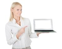 Geschäftsfrau, die Laptop darstellt Lizenzfreies Stockfoto