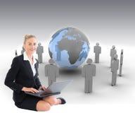 Geschäftsfrau, die Laptop verwendet Lizenzfreie Stockfotografie