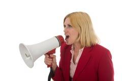 Geschäftsfrau, die Megaphon verwendet lizenzfreies stockfoto