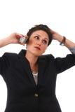 Geschäftsfrau, die mit Telefon spricht lizenzfreies stockbild