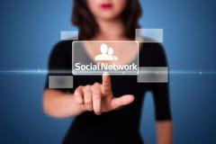 Geschäftsfrau, die modernen Sozialtypen der Ikonen bedrängt Lizenzfreie Stockfotos