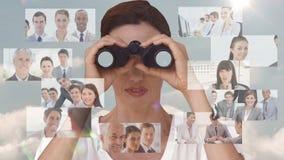 Geschäftsfrau, die nach neuen Angestellten sucht stock footage