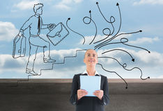 Geschäftsfrau, die neue Tablette hält Lizenzfreie Stockfotos